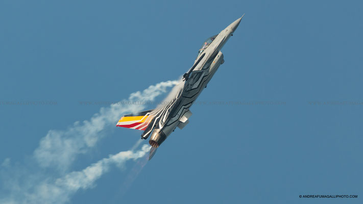 F 16 BELGIUM SOLO DISPLAY BELLARIA AIRSHOW 2016