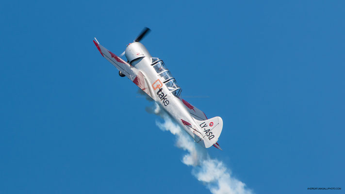 YAK 52 TEAM YAKITALIA ARONA AIR SHOW 2018