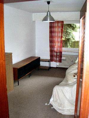 下の階の小さい方の寝室②