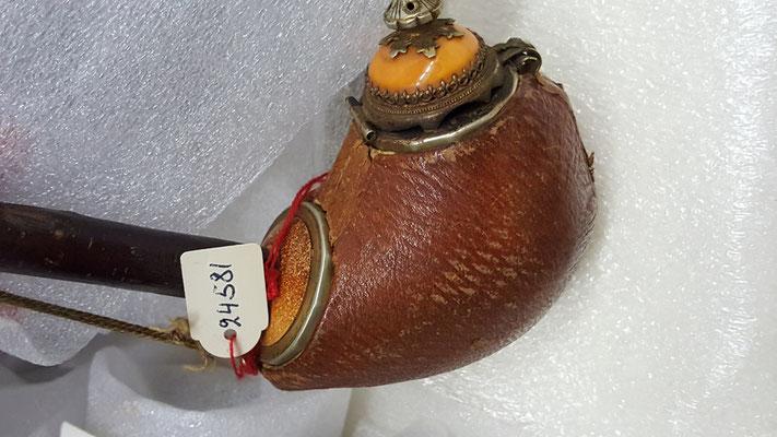 November 2020 – Ein schmuckvoll verzierter Pfeifenkopf.
