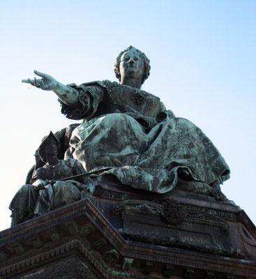 MARS Triloca_Wien KHM-Bronzestatue Maria Theresia