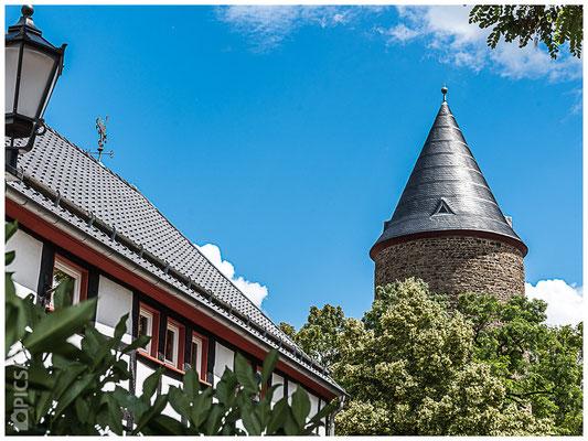 Rheinbach - Blick auf den Hexenturm vom Himmeroder Wall