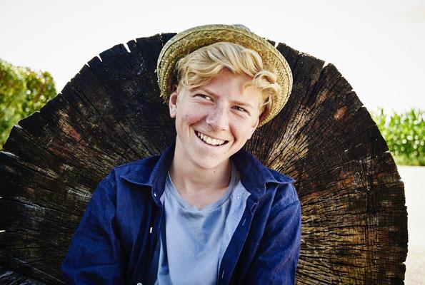 Porträt eines Jungen mit Hut