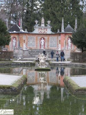 Hellbrunner Adventzauber in Salzburg - Weihnachtsmarkt mit einzigartigem Ambiente und würdevollem Rahmen beim Schloss Hellbrunn
