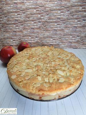 Gedeckter Apfelkuchen Rezept mit Mürbeteig und Mandeln. Konditor-Rezept by Daninas Dad.
