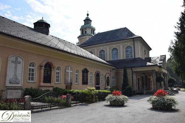 Die Aussegnungshalle des Salzburger Kommunalfriedhofs.
