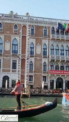 Venedig - Condoliere am Canal Grande