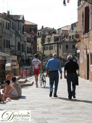 """Venedig - Stadt der Fußgeher und """"Radschieber"""""""