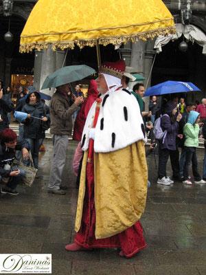 Venedig - Historischer Umzug mit Doge am Markusplatz