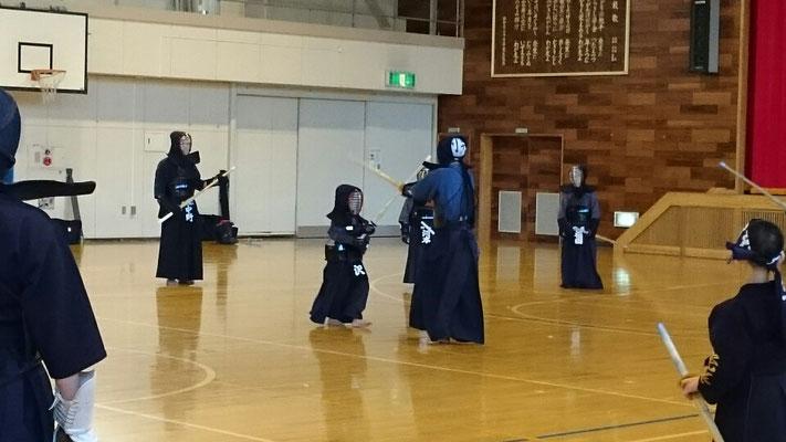 小さい剣士も追い出し