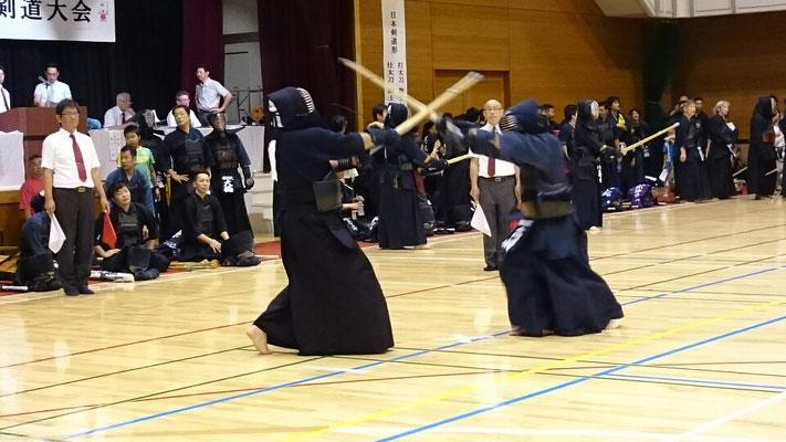 迫力ある剣道の試合