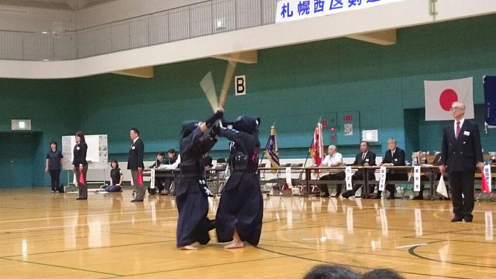 小学生剣士の試合