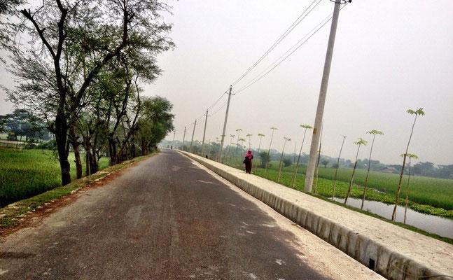 Neue Straße in Khulna
