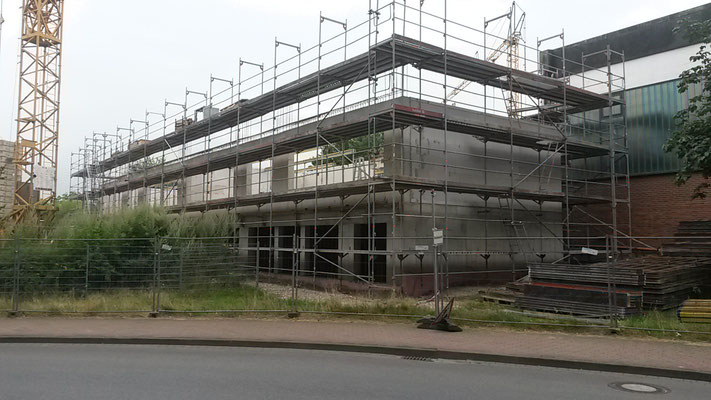 """Der Neubau """"wächst"""". Die 2. Etage ist fertig. (28.07.2016)"""