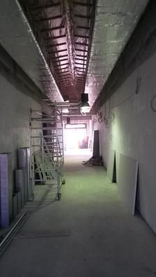 Flur auf Ebene 3 im Neubau.
