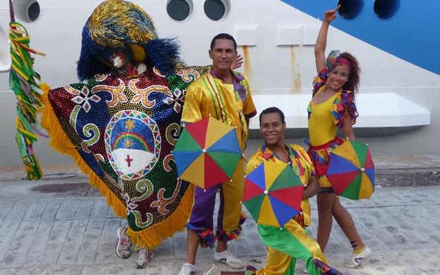 Brasilianisch werden wir begrüßt bei unserem ersten Landgang in Recife in Brasilien.