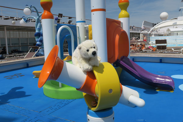Badespaß an Bord des Kreuzfahrtschiffes