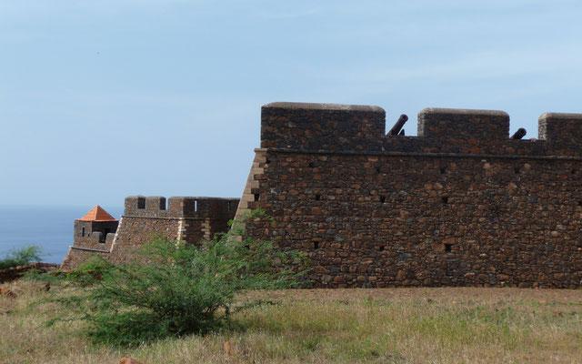 Praia war früher der größte Sklavenumschlagplatz Afrikas. Von hier gingen die Sklaven unfreiwillig in alle Welt.