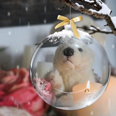 Ole in der Weihnachtskugel