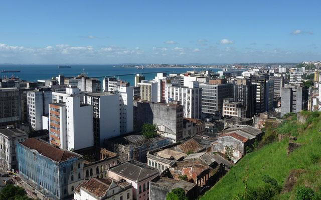 Salvador de Bahia ist die drittgrößte Stadt Brasiliens mit 2,6 Millionen Einwohnern.