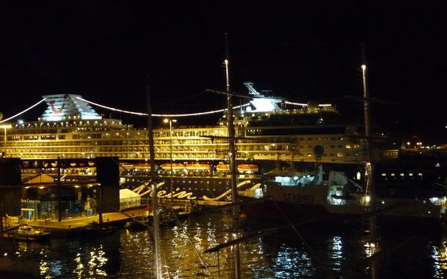 Am Abend legen wir in Gran Canaria ab zu unserer ersten Atlantiküberquerung