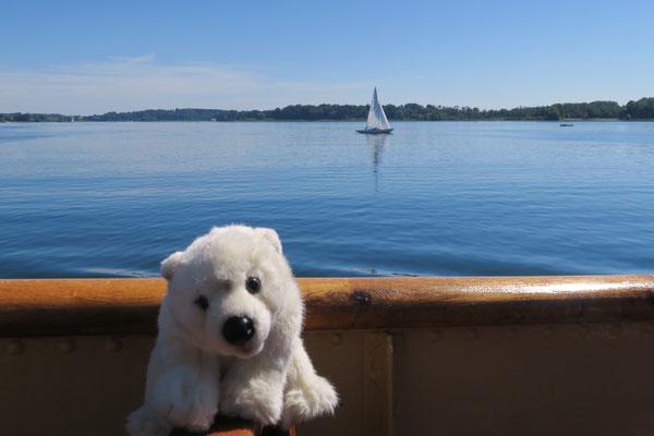 Ole fährt mit dem Schiff zur Insel Herrenchiemsee