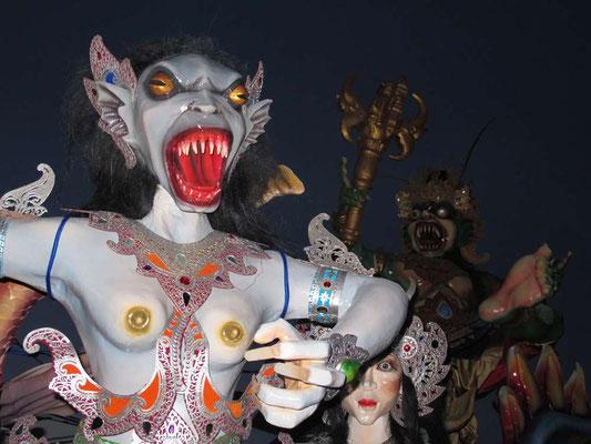 Parata dell'Ogoh Ogoh a Bali (Photo by Gabriele Ferrando - LA MIA ASIA)