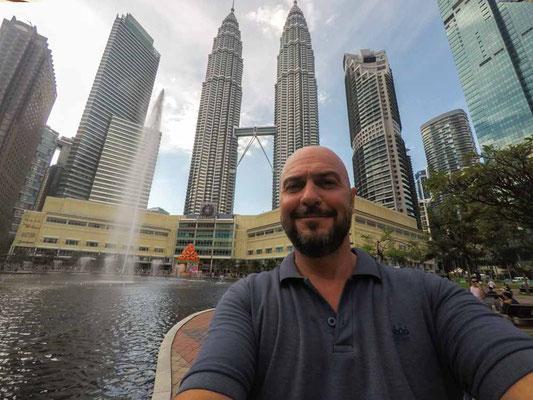 Le Torri gemelle Petronas Tower a Kuala Lumpur (Photo by Gabriele Ferrando - LA MIA ASIA)
