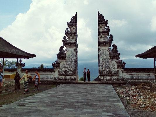 Le Porte del Paradiso del tempio di Lempuyang