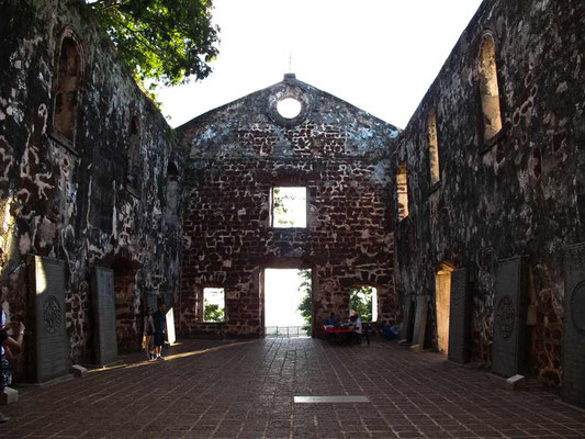 Malacca, St. Paul Church (Photo by Gabriele Ferrando - LA MIA ASIA)