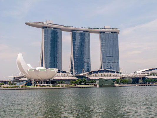 Marina Bay Sands Hotel a Singapore (Photo by Gabriele Ferrando - LA MIA ASIA)