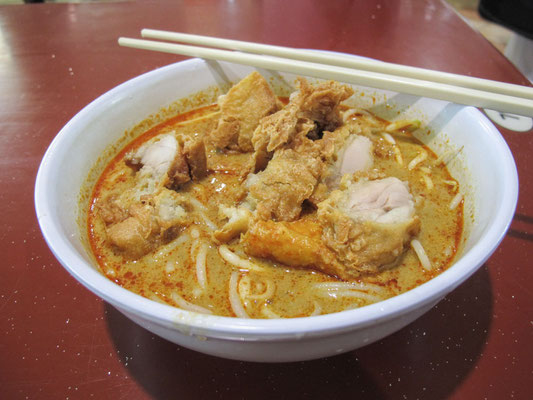 SINGAPORE - Laksa (Photo by Gabriele Ferrando - LA MIA ASIA)