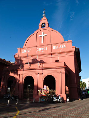 Malacca. Christ Church (Photo by Gabriele Ferrando - LA MIA ASIA)