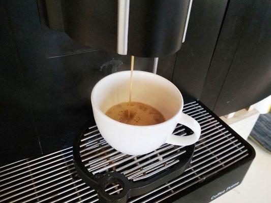 Caffe espresso allo Yello Hotel Harmoni di Jakarta (Photo by Gabriele Ferrando - LA MIA ASIA)