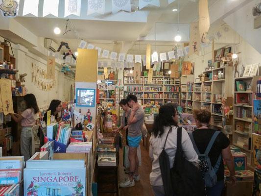 Woods in the Books, libreria per bambini a Tiong Bahru, Singapore (Photo by Gabriele Ferrando - LA MIA ASIA)