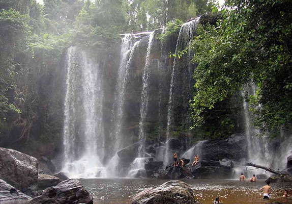 Phnom Kulen Waterfall (Photo by Stefan Fussan)