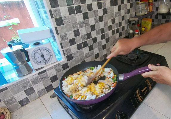Aggiungere il riso bianco