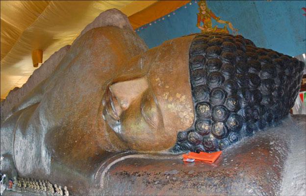 Budda sdraiato (Photo by Jean-Pierre Dalbéra)