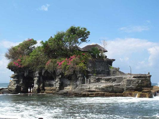 Tempio del Tanah Lot a Bali
