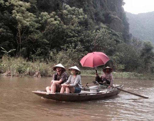 Vietnam. Gita sul fiume a Tam Coc. (Photo by Gabriele Ferrando - LA MIA ASIA)