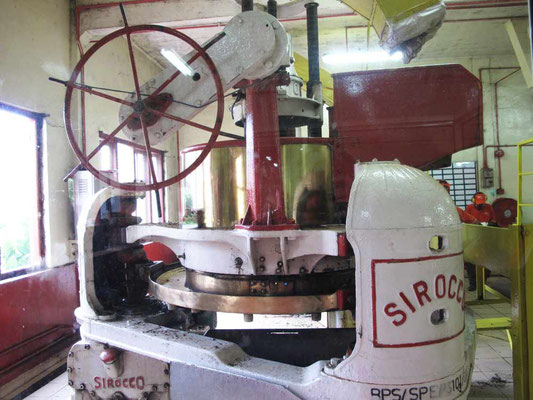 macchina per la lavorazione del Tè a Cameron Highlands (Photo by Gabriele Ferrando - LA MIA ASIA)
