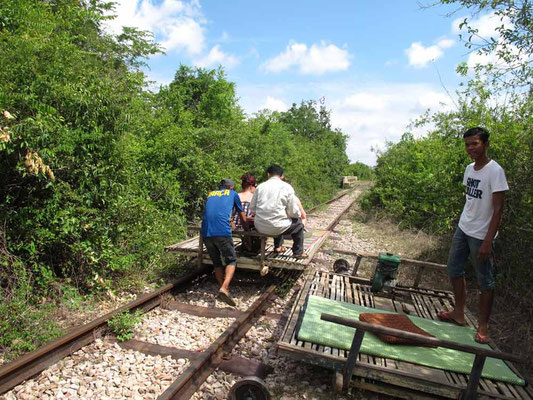 Viaggio di Gruppo in Cambogia - Bamboo Train (Photo by Gabriele Ferrando - LA MIA ASIA)