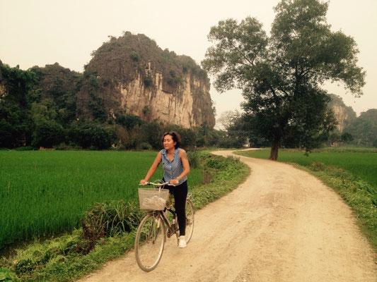 Passeggiare in bicicletta a Tam Coc
