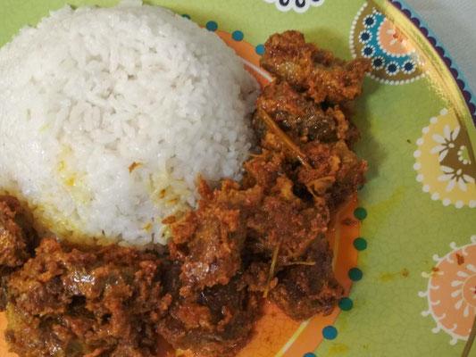 Rendang, spezzatino piccante indonesiano (Photo by Gabriele Ferrando - LA MIA ASIA)