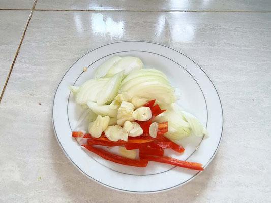 Ricetta Pollo Thai con gli anacardi (Photo by Gabriele Ferrando - LA MIA ASIA)