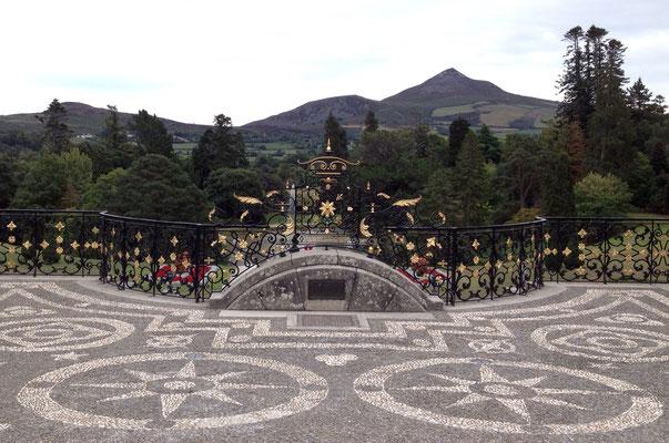 Aussicht auf den Sugar Loaf Mountain von der obersten Terrasse des italienischen Gartens