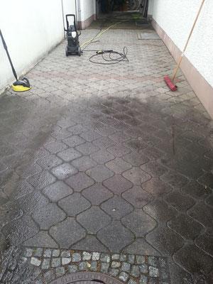 Reinigung Einfahrten und Terrassen