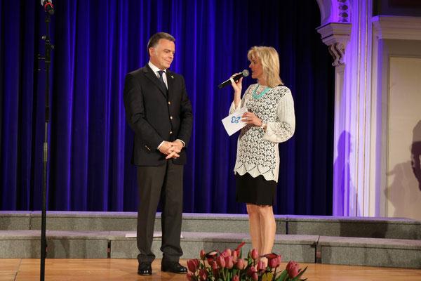 Dr. Rainer Riedl mit Barbara Bruckner