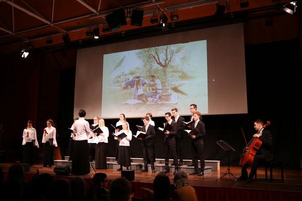Jugenchor - Solo Elisabeth Zeiler & Alina Enzersberger - mit Bernhard Wegerer am Chello