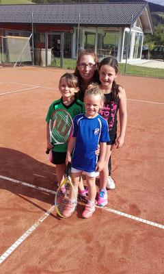 Die Tennismädels mit KLaudia